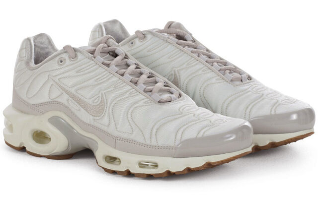 781bec95434 white nike tn trainers cheap > OFF73% The Largest Catalog Discounts