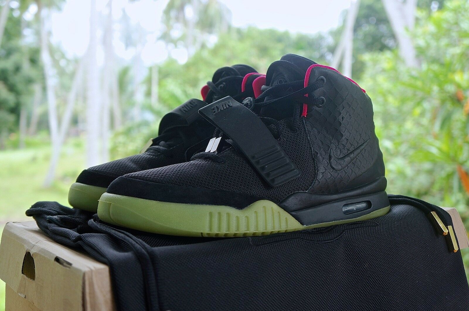 hot sale online 4444a 93806 kanye west nike air yeezy 2