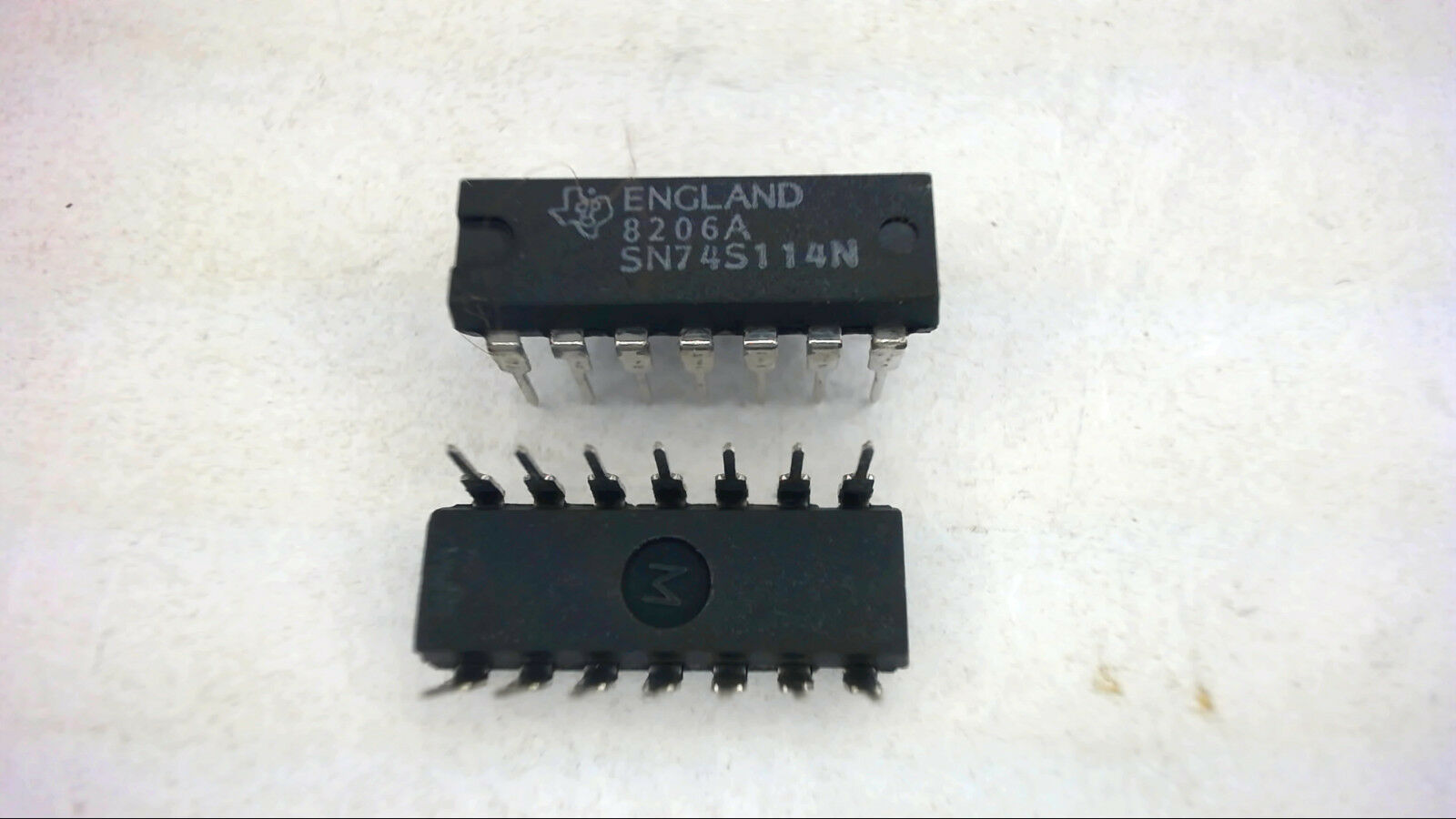 Texas Instruments Sn74s114n 14 Pin Dip Integrated Circuit 2 Ebay Ic Ne555 Ne555p 555 8 Timers New High Quality Norton Secured Powered By Verisign