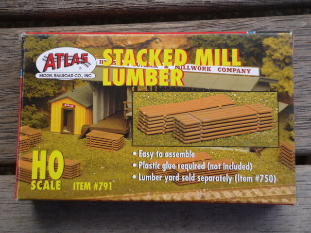 Atlas Stacked milled  Lumber kit #791 Ho Scale (1:87)