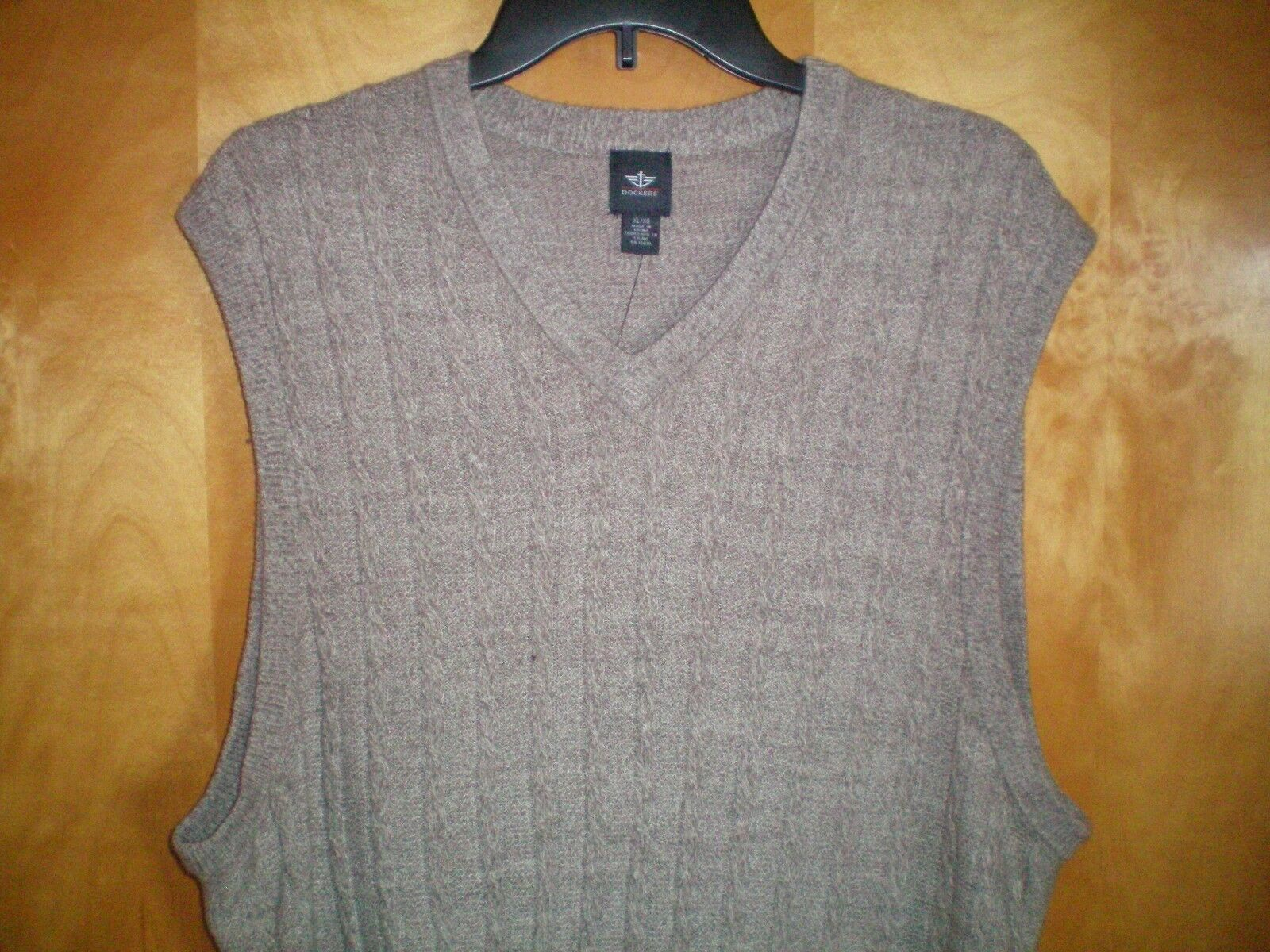 DOCKERS Mens Tan Acrylic Cable Knit Front Vneck Sweater Vest XL | eBay