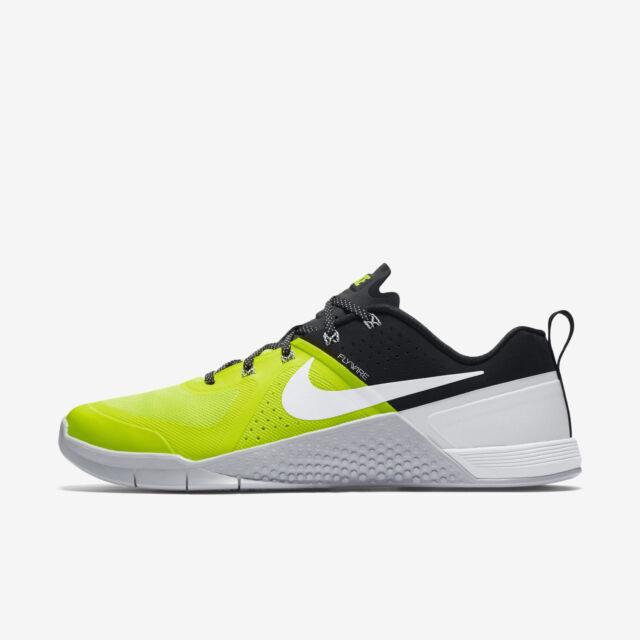 Nike Metcon 1 Volt/White-Black-Pure Platinum Size 11.5 New 704688 710