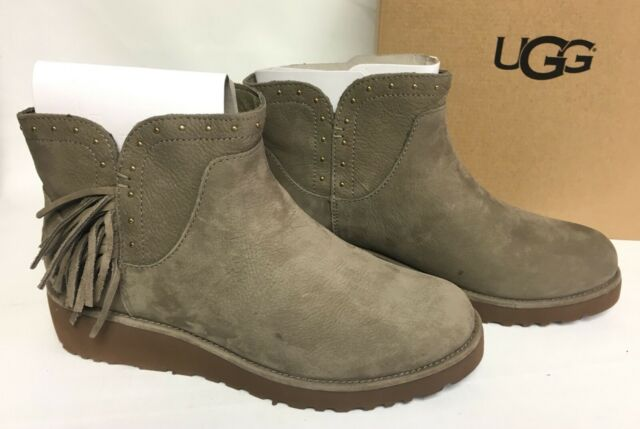 Ugg Australia Cindy Fringe Spruce Womens Leather Ankle Boots Fringe 1019063