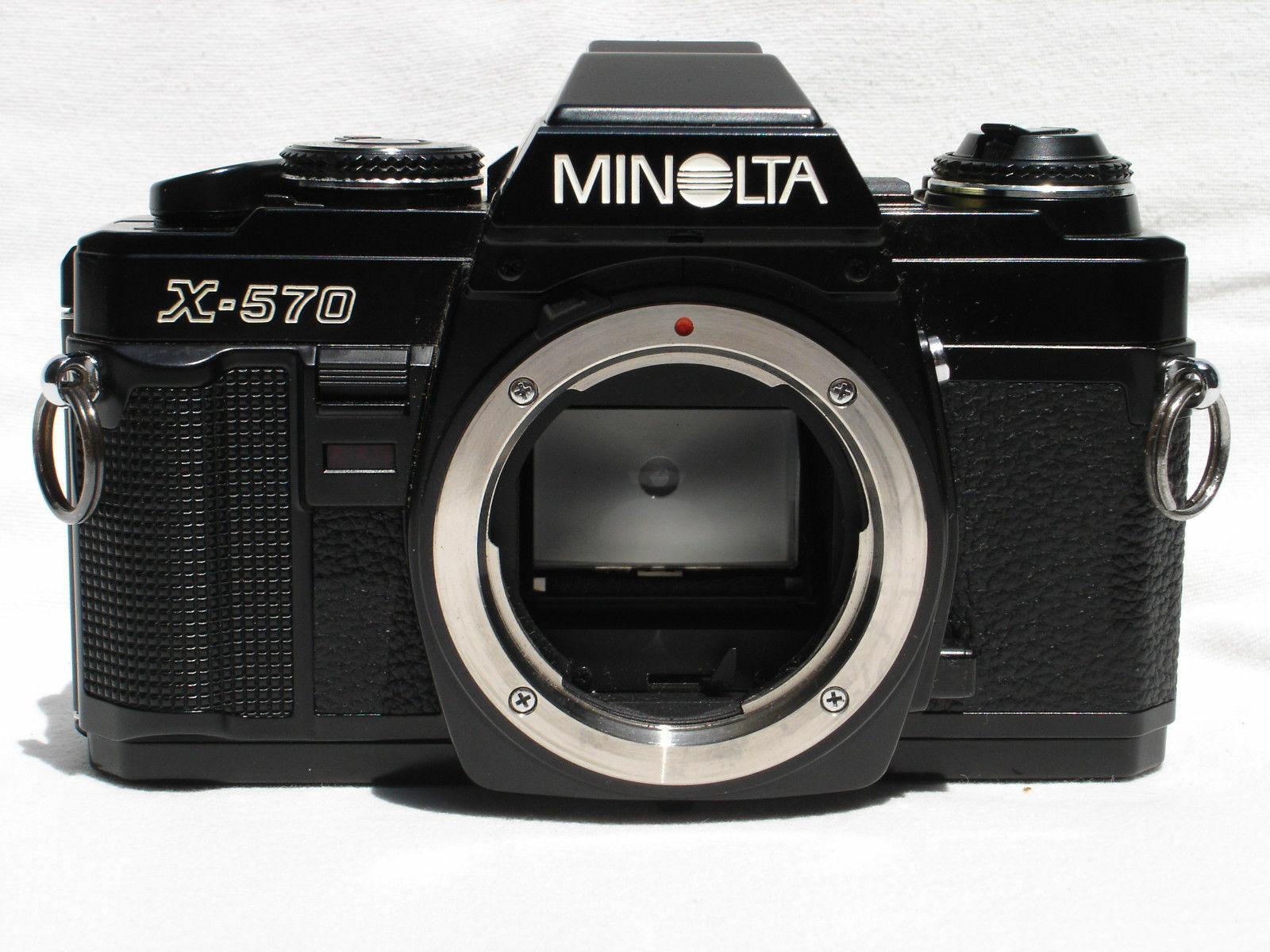 Minolta X-570 35mm SLR Film Camera Body Only | eBay