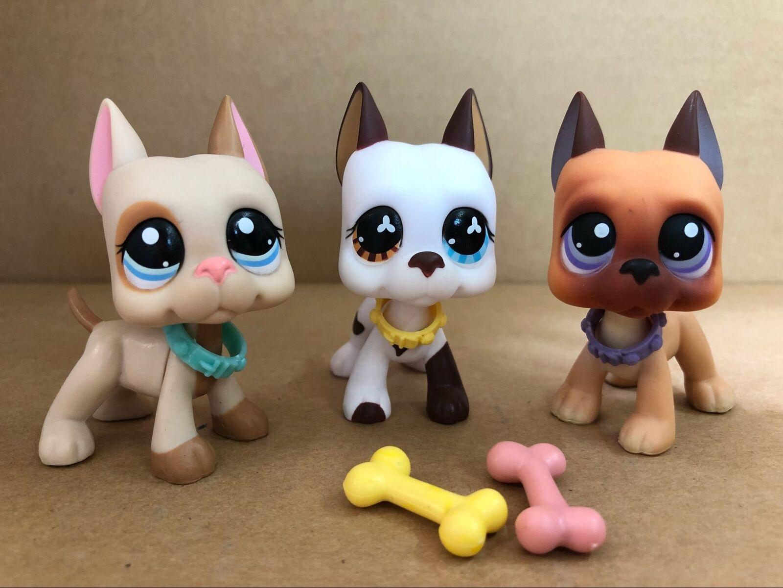 Littlest Pet Shop Lps Toy Great Dane Dogs  Pcs Bone Bowl Authentic