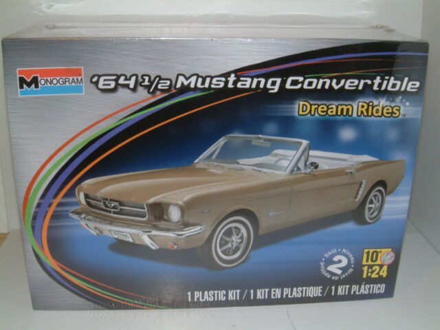 1/24 MONOGRAM 1964 1/2 FORD MUSTANG CONVERTABLE ,  PLASTIC KIT