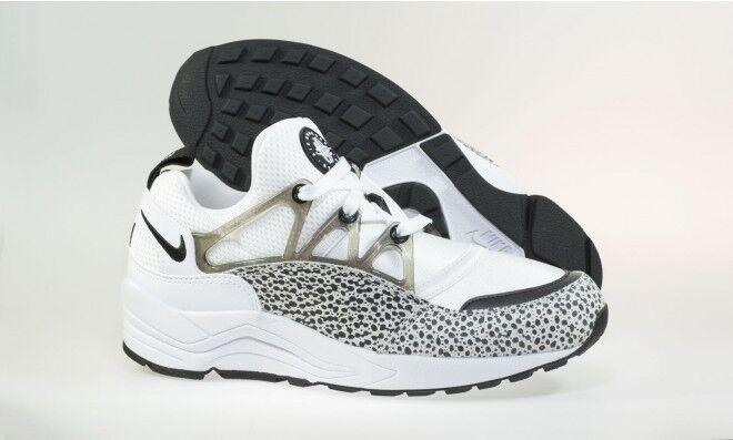 WMNS W Nike Air Huarache Light Premium Safari Women Size 7 819011-100 white blac
