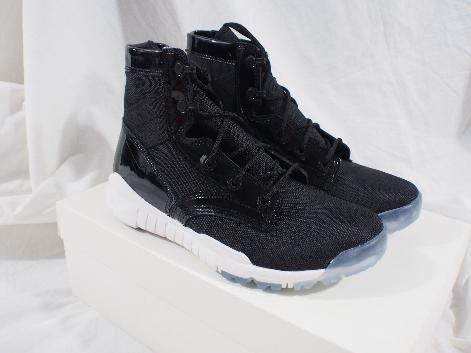 Brand New Nike Shoes SFB 6
