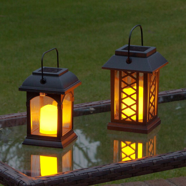 2 SOLAR POWERED OUTDOOR GARDEN PATIO TABLE HANGING CANDLE LANTERN LED LIGHTS