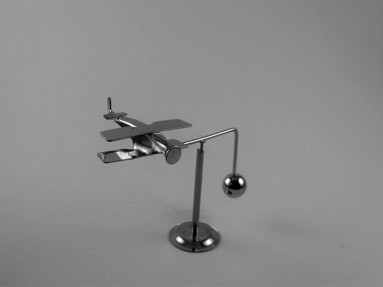 Kinetic Energy Desk Toys Design Ideas