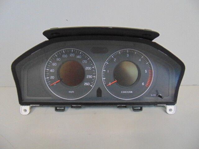VOLVO XC70 V70 TACHO SPEEDOMETER COMPTEUR 31254535AA