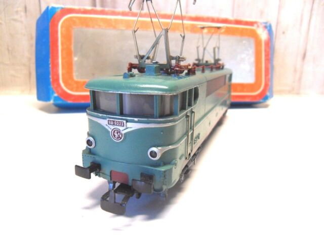 C 12 ) locomotive BB 9223  MARKLIN HAMO en BO 3038  train electrique HO