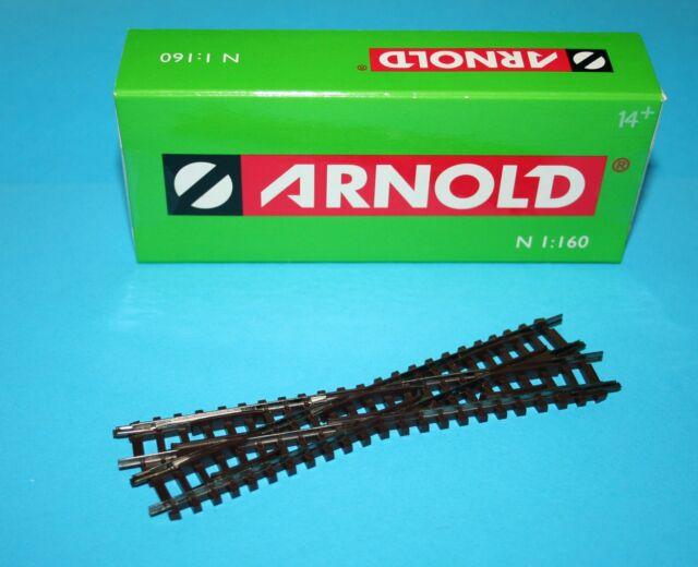 Arnold Gleis HN 8022  // Kreuzung, rechts // Spur N