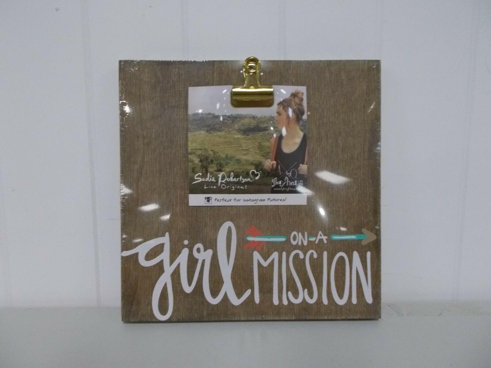 Gh301 Girl on a Mission Photo Clip Sadie Robertson Line Glory Haus ...