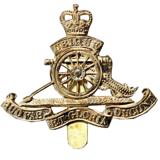 6f6228508a0 Royal Artillery RA Base Metal Brass Cap Badge- British Army Queens Crown-new