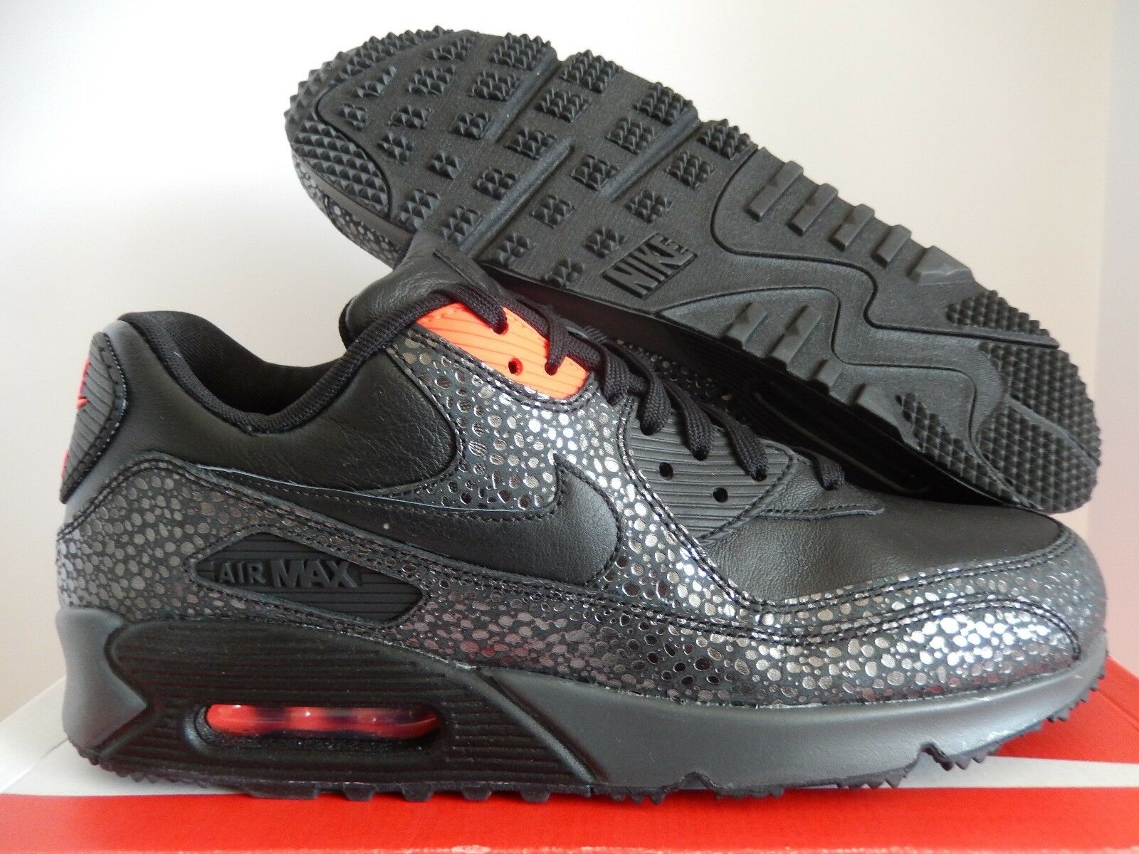 nike air max 90 deluxe black infrared camera