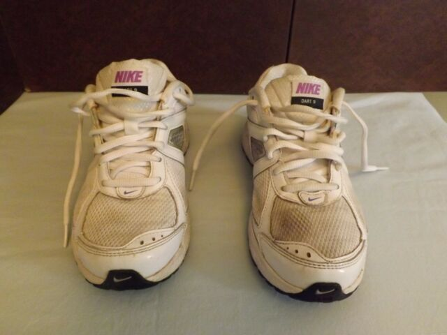 NIKE  Running Sneakers White with Purple Logo Size 6.5 Dart Nine