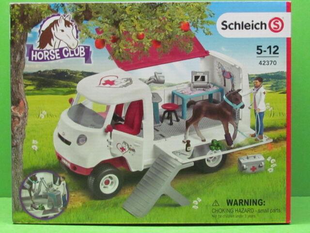 Schleich® 42370 HORSE CLUB Mobile Tierärztin mit Hannoveraner Fohlen