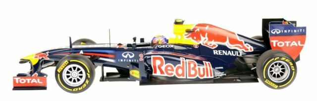 MINICHAMPS 110120072 Red Bull Racing M.Webber Showcar 2012 1:18 NEU/OVP