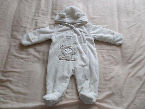 5334b9b94 Baby Unisex Snowsuit Size 0-3 Months