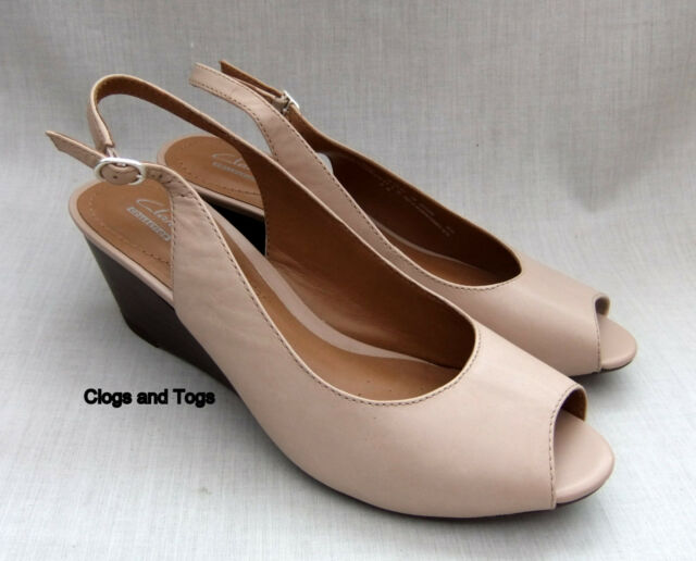 Clarks Ladies Wedge Peep Toe Slingback Shoes Size 38 / 5 D Good Condition.