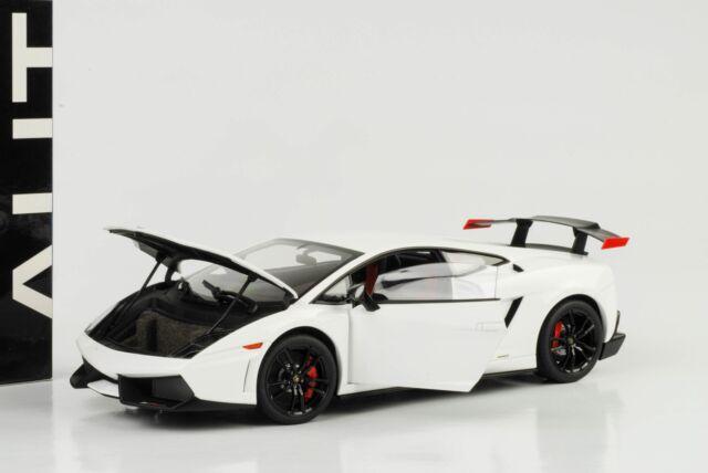2011 LAMBORGHINI GALLARDO LP570 Super Trofeo Stradale Moncerus White 1:18