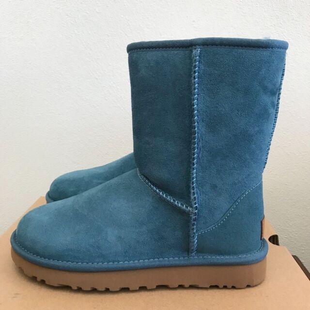 UGG Australia Womens Classic Short II Boots Coastal Green Size 8 Warm Wool