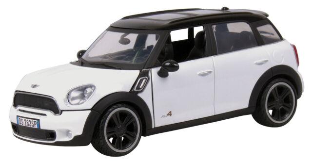 New Motormax Mini Cooper S Countryman Light White Cast Model 1 24