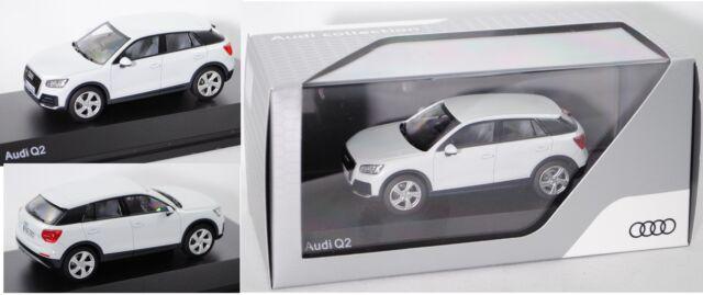 iScale 5011602631 Audi Q2 (Typ GA), gletscherweiß, 1:43, Werbeschachtel