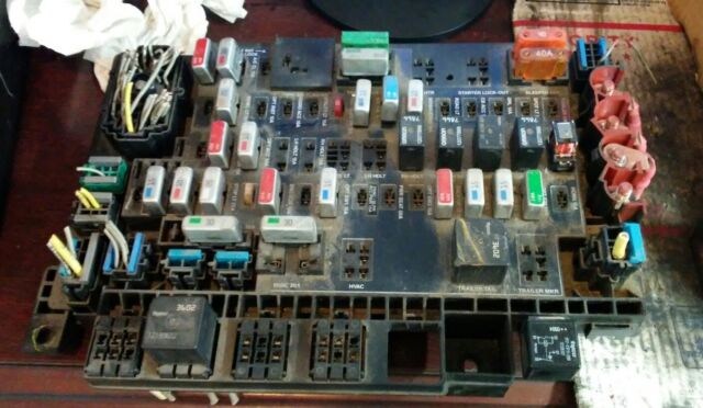 s l640 freightliner columbia century fuse panel power distribution module fuse box freightliner columbia at n-0.co