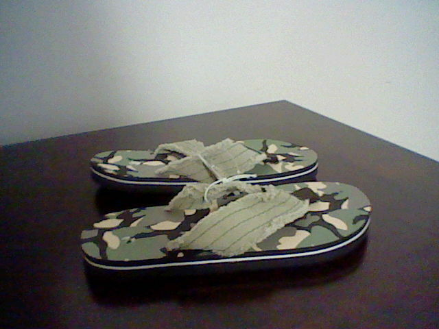 Boys size medium 13 1 dollar general brand flip flops ebay picture 1 of 4 publicscrutiny Image collections