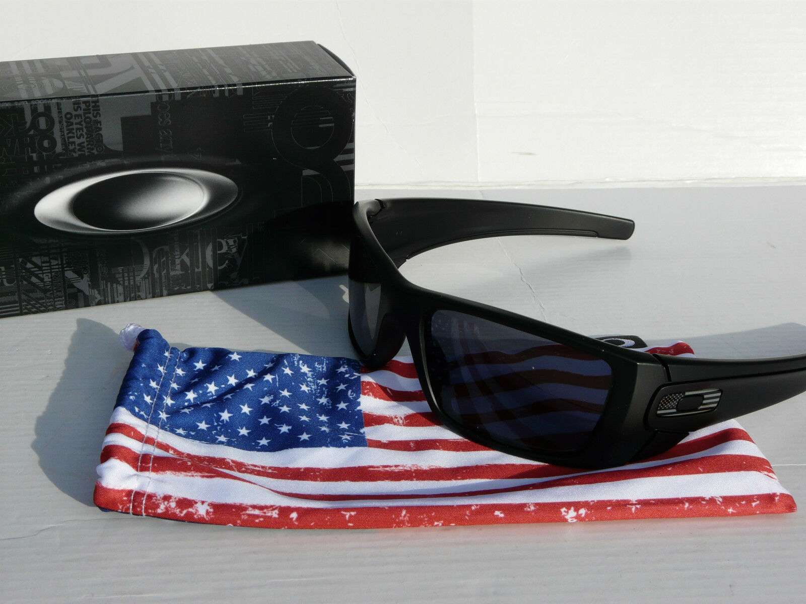 7516f8bac487 OAKLEY SI FUEL CELL Sunglasses Matte Black   Grey USA Military OO9096-29