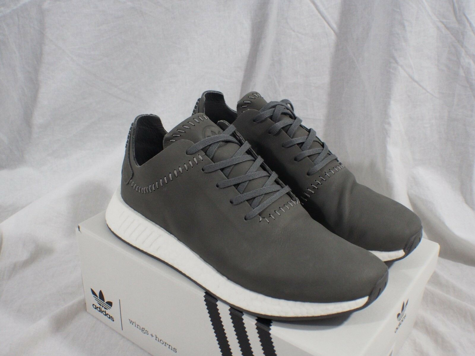 official photos 46cf5 5212e adidas NMD R2 Wings Horns Bb3117 Ash Leather Size 11 US