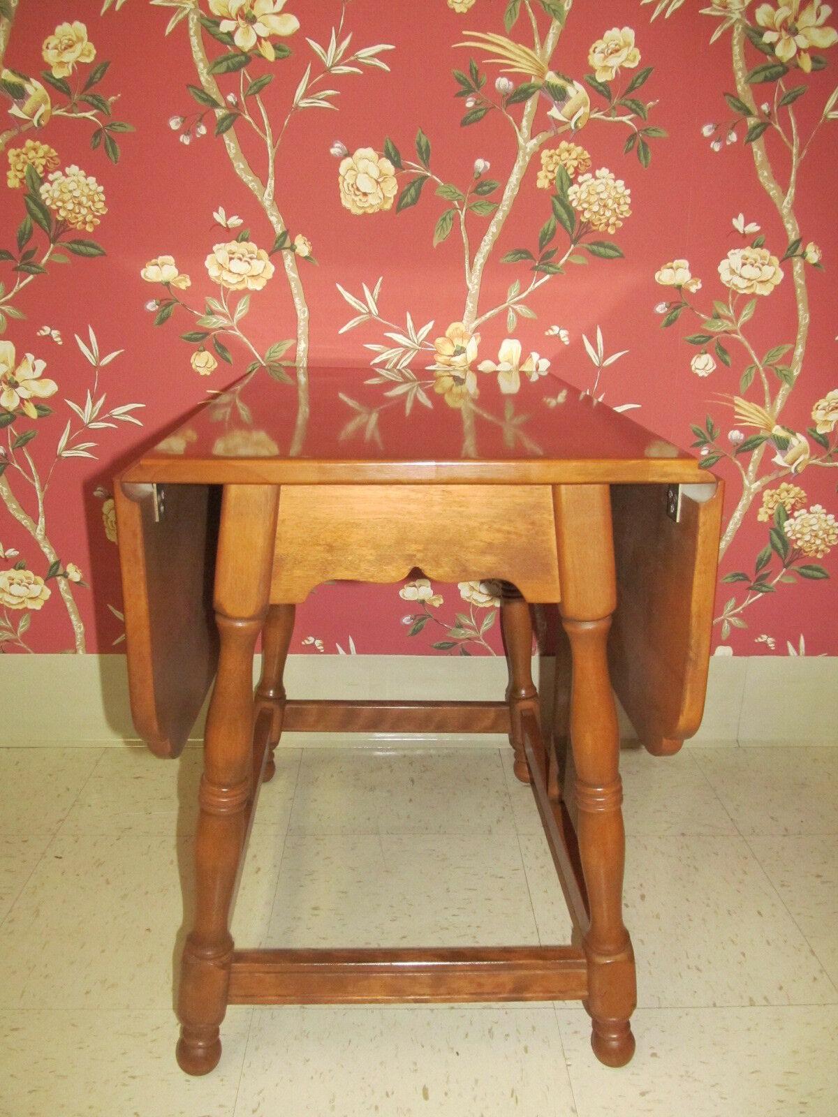 Ethan Allen s Baumritter Colonial Butterfly Drop Leaf End Table