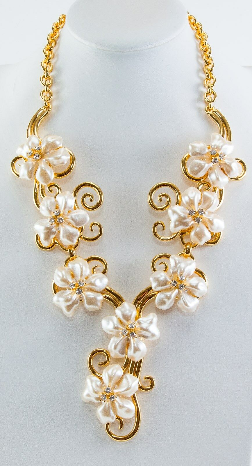 Kenneth Jay Lane White Pearl Flower Necklace White 60wP1l