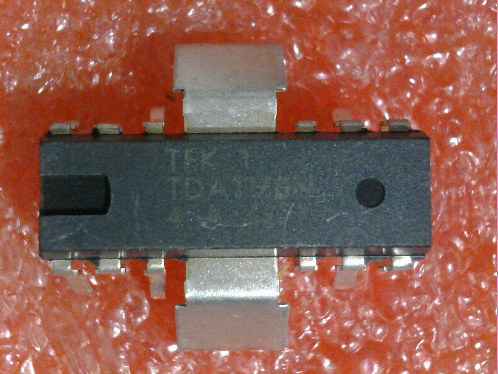 2 Pcstelefunken Tda1170n Low Noise Tv Vert Deflection System Circuits Picture 1 Of 3