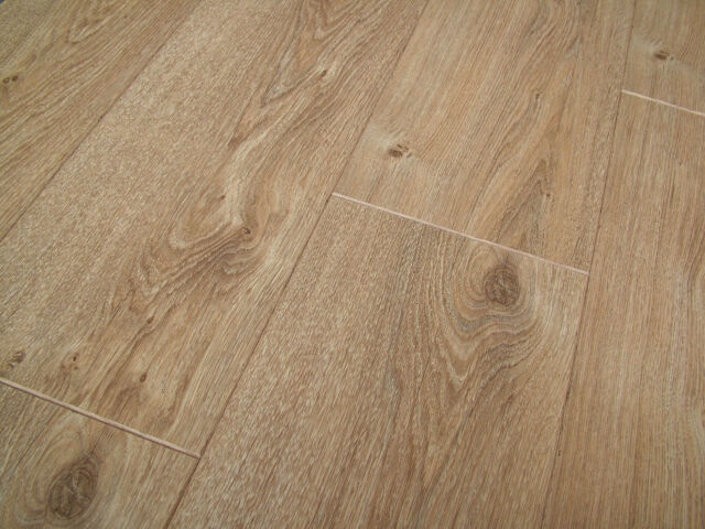 Chelsea Laminate Flooring Part - 40: Pallet Deal Traditional Oak 4v-Groove Laminate Flooring