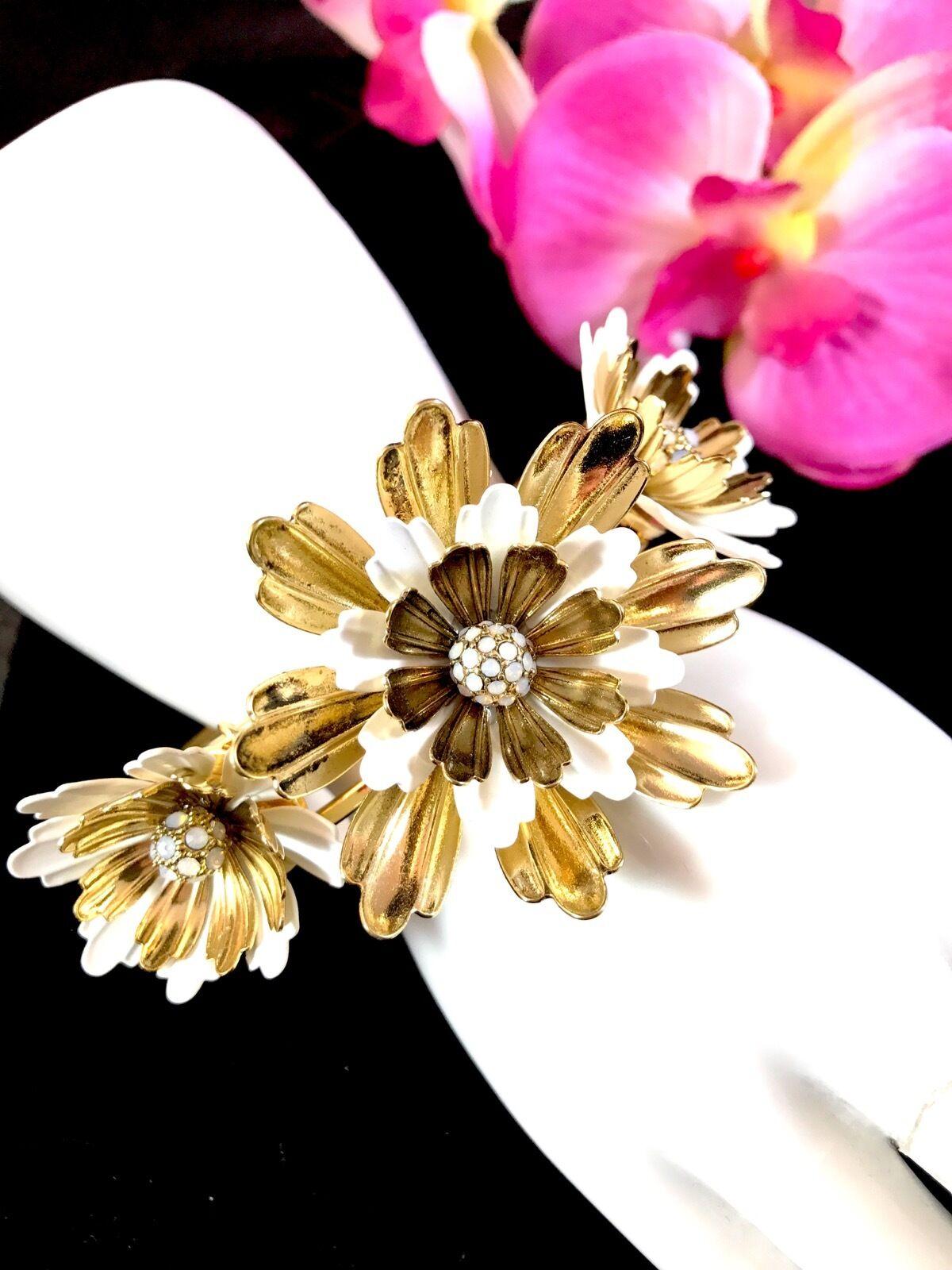 Betsey johnson bracelet i dream of betsey hinged bangle 3 lg white picture 1 of 7 mightylinksfo
