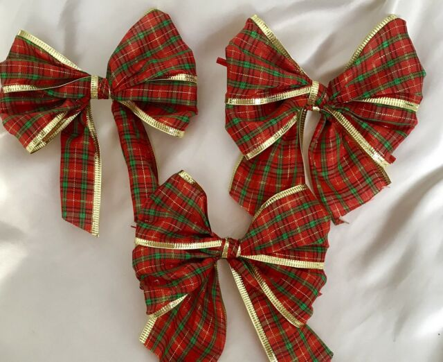10 x red tartan with gold wired edge christmas tree bows gift bows 10 x red tartan with gold foil wired edge christmas tree bowsgift bows negle Images