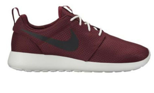 Nike Mens Rosherun Running Shoe Team Red/Black/Summit White 511881-607
