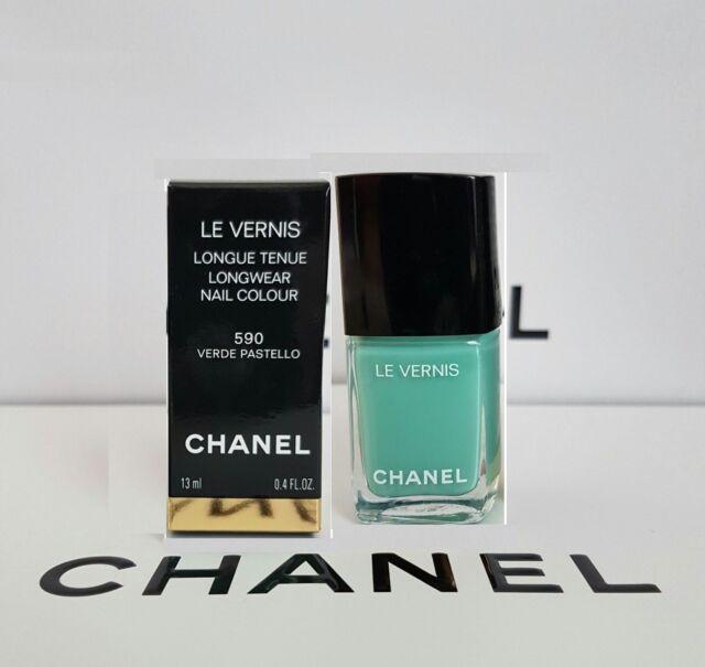 CHANEL Le Vernis Verde PASTELLO Long Wear Nail Colour 590 Green ...