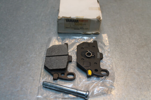 Yamaha XS 750 SE Bremsbeläge vorne rechts mit Anbaumaterial 2G2-W0045-00