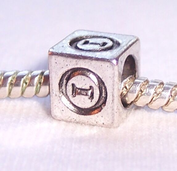 Theta Symbol Uppercase Greek Letter Numeral Cube Bead Fits Euro