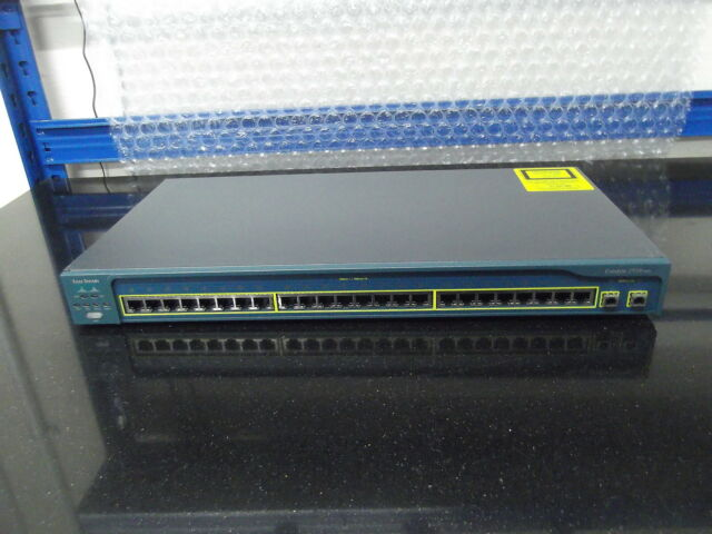 Cisco WS-C2950C-24 Switch 24 10/100 PORTS W2 100BASE FX
